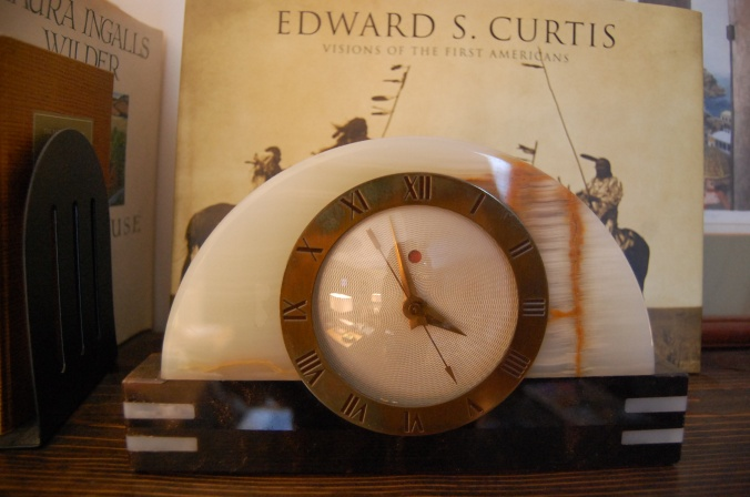warren-telechron-electric-art-deco-clock